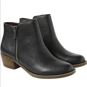 Kensie Ghita Women's Zipper Black Ankle Boot 8